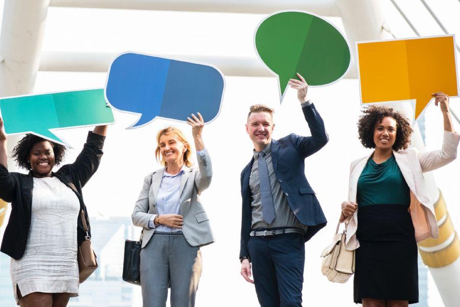 Una buyer persona è il ritratto di un cliente ideale, elaborato con ricerche di mercato e con dati reali a disposizione dei clienti esistenti.