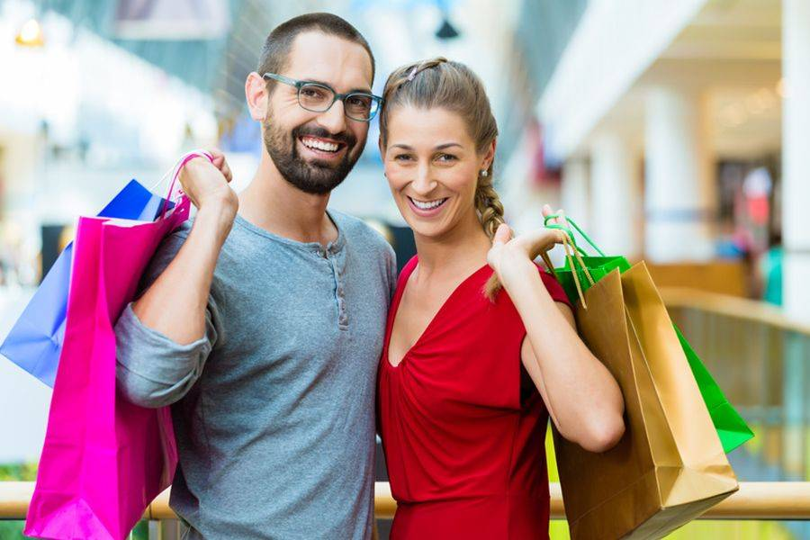 Un'indagine condotta da Coop Online ha mostrato le differenze comportamentali degli acquirenti di sesso opposto negli acquisti online.