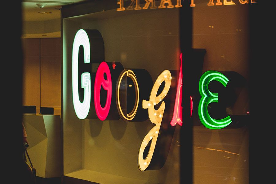 Gary Illyes, Webmaster Trends Analyst di Google, in un AMA su Reddit rilascia interessanti indicazioni sulla SEO e sulla direzione intrapresa da Google.