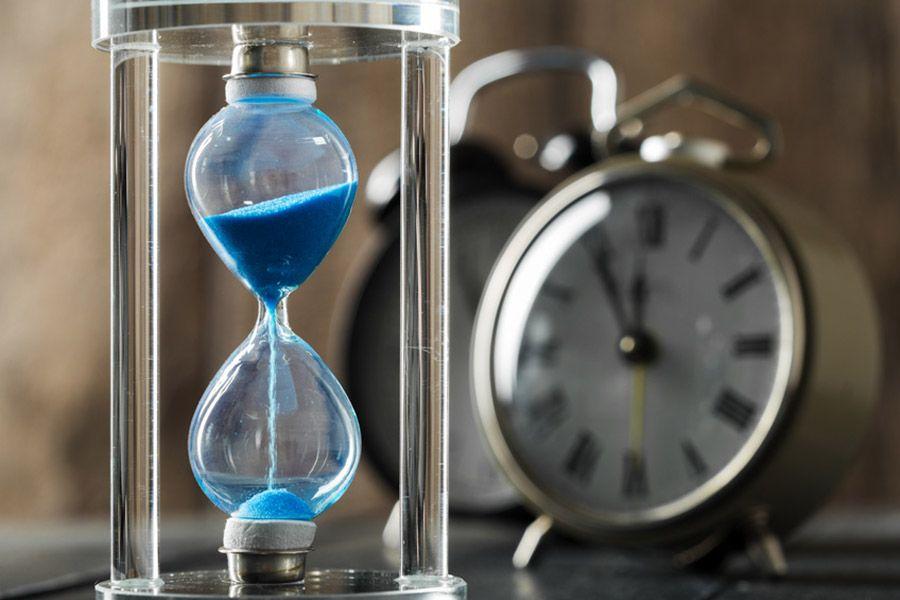La funzione countdown aggiunge un conto alla rovescia, nel titolo o nel testo dell'annuncio, per informare che eventi o promozioni hanno una scadenza.