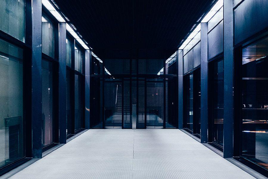 Il WHOIS è la banca dati, consultabile pubblicamente, dove vengono raccolte le informazioni relative ai titolari dei nomi a dominio.