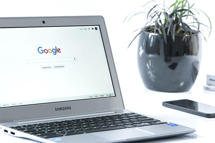 Google Research ha pubblicato un nuovo documento dove illustra un sistema di apprendimento che riformula la query dell'utente.