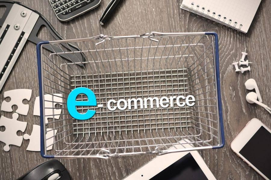 E-commerce: un italiano su due fa acquisti in orario d'ufficio