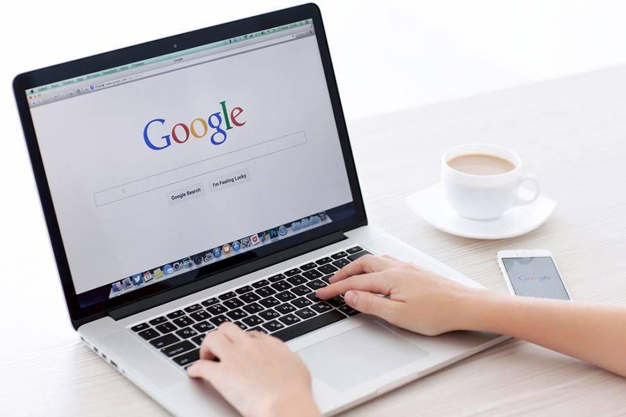 Google ha iniziato ad eliminare gradualmente gli annunci sponsorizzati nella barra laterale destra dei risultati di ricerca.