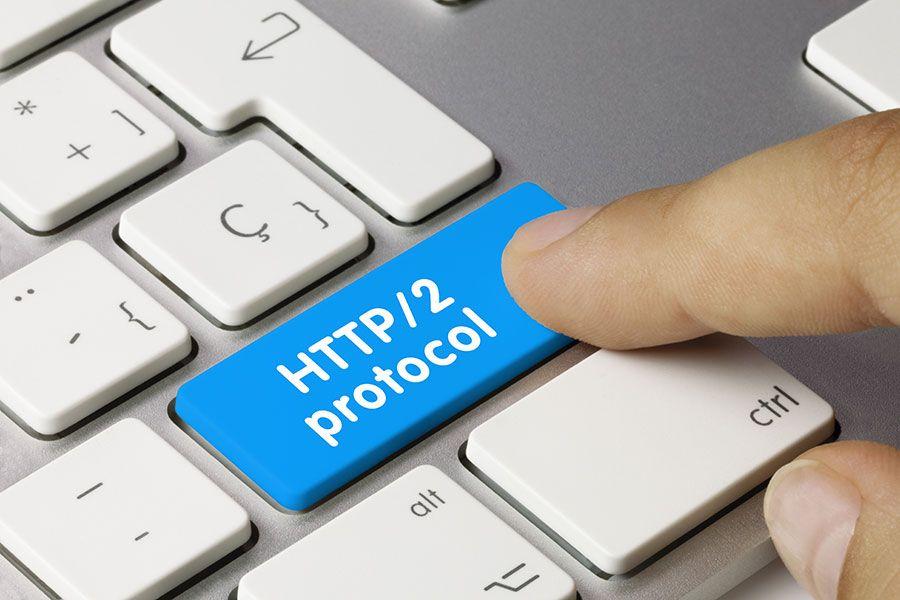 HTTP/2 (noto anche come h2) è un protocollo di rete che server, browser e bot possono utilizzare per il trasferimento di dati.