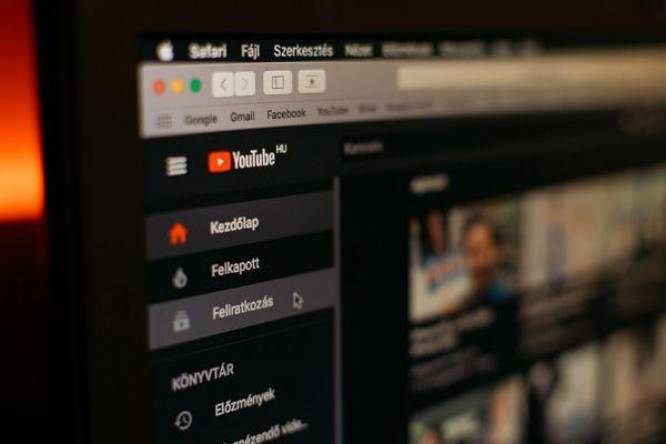 YouTube: come impostare un canale con video in più lingue